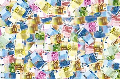 10.000 Euro an die Stadt zurück